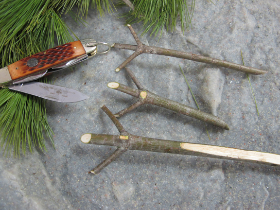 How to Make a Quick Bushcraft Trail Fork – 1/31/12